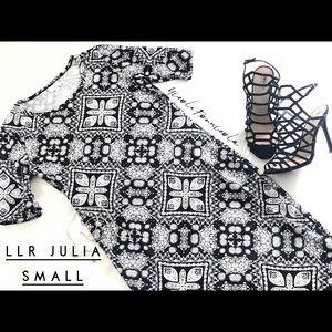LuLaRoe Dresses - EUC LuLaRoe Julia small